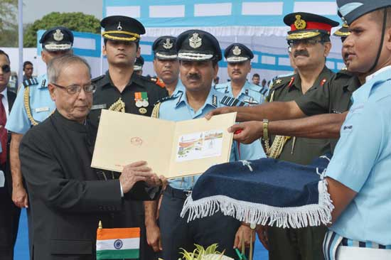 Special cover on the occasion of the presentation of President's Standards to 115 Helicopter Unit and 26 Squadron of Indian Air Force