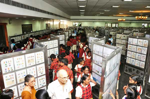 APPEX-2014, Students viewing philatelic exhibits